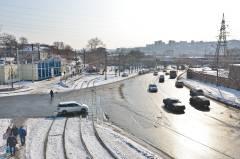 Грязь и лужи: весна пришла на дороги Владивостока