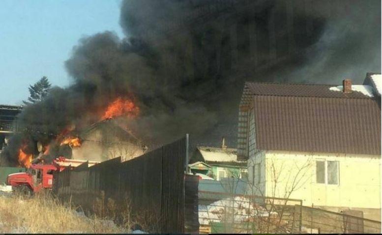 Частный детский сад горит в пригороде Владивостока