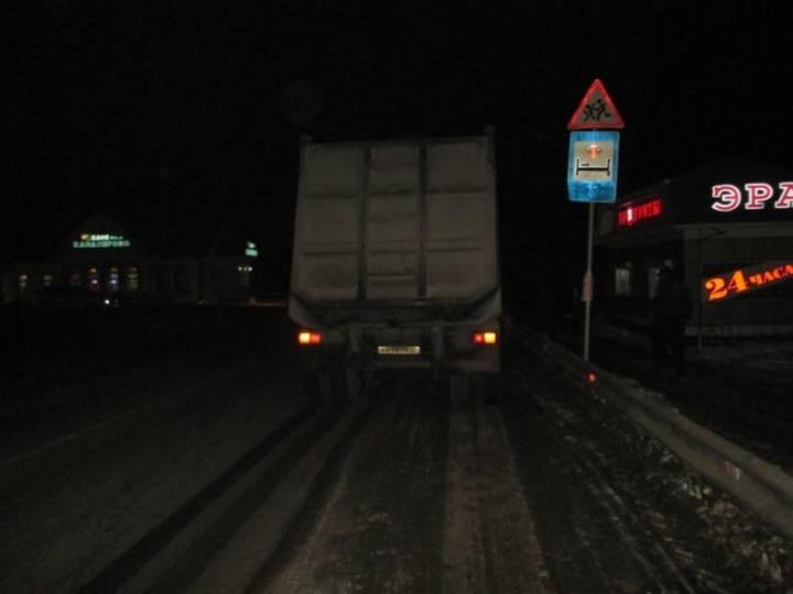 Водитель грузовика насмерть сбил женщину-пешехода в Приморье
