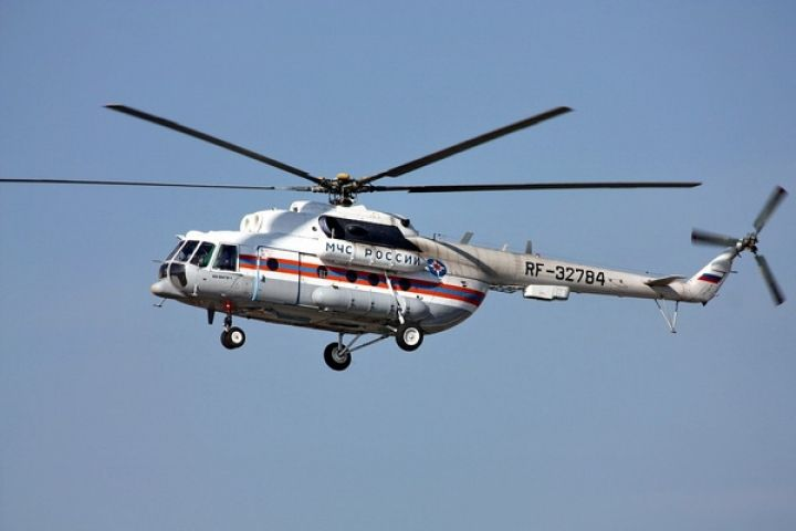 Тяжелобольного приморца увезли вертолетом с судна в Охотском море