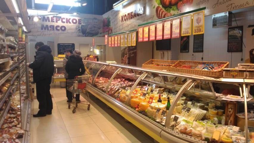 Видео: в супермаркете «Фреш25» мясо волокут по грязному полу
