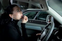 Автомобилистка из Владивостока попыталась повернуть с крайней правой налево