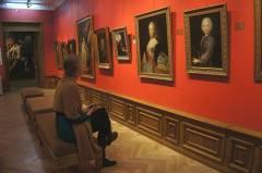 Картины из Приморья впечатлили Собчак больше, чем Рафаэль и Караваджо