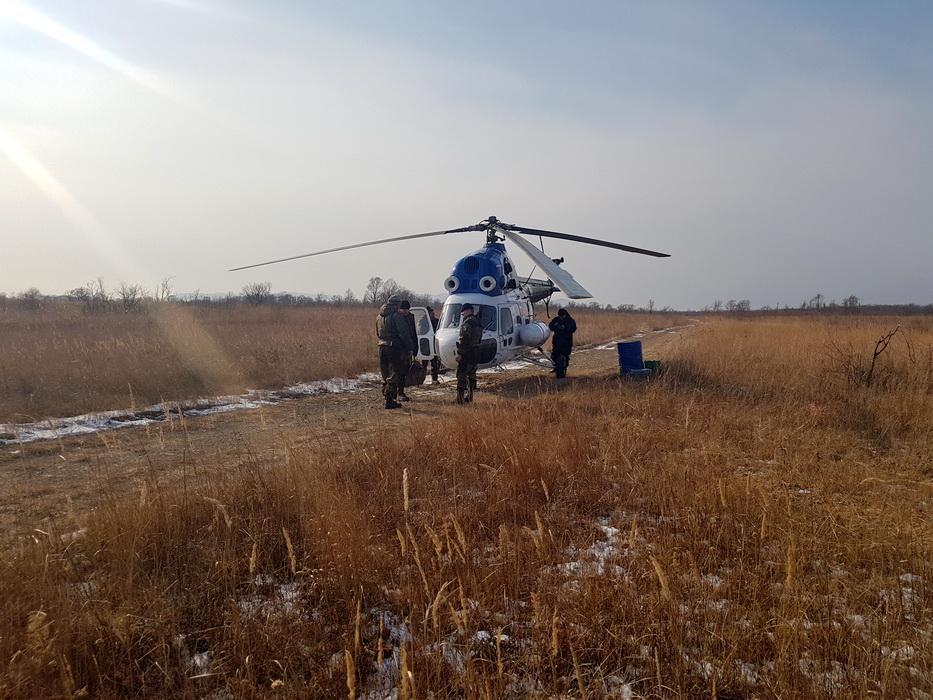 За людьми и животными на «Земле леопарда» присматривают с вертолета