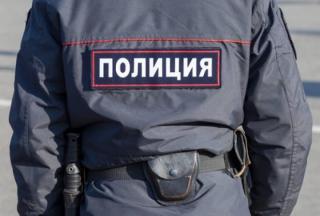 Четверо подростков повредили новогодние украшения на площади Уссурийска