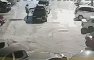 Видео с «выходкой» девушки на парковке набирает популярность в Приморье