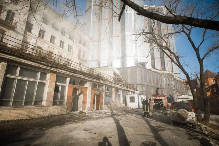 Пожар в роддоме на Пушкинской ликвидировали спасатели (фото)