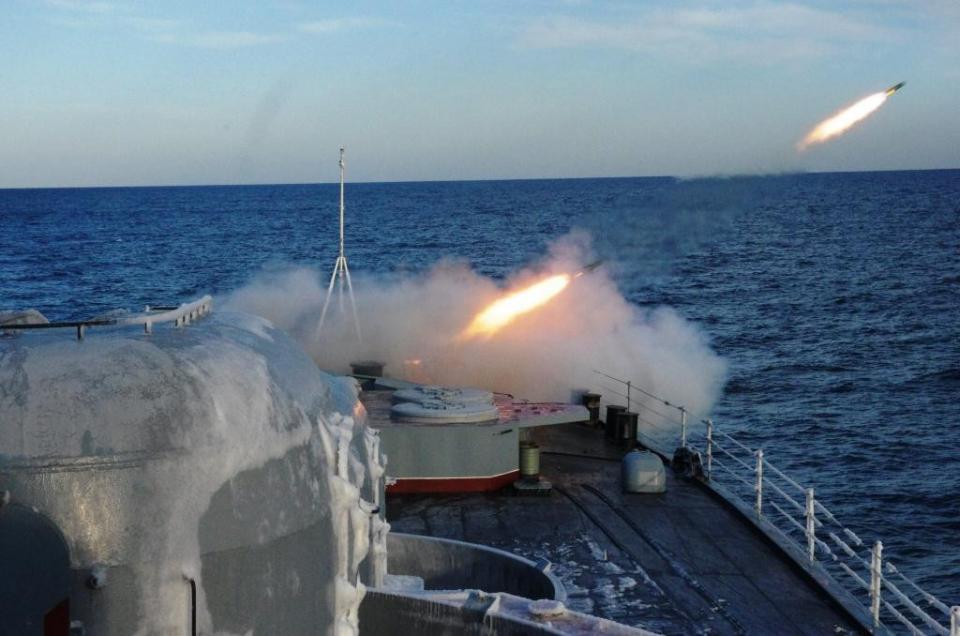 Корабль «Адмирал Трибуц» поразил все учебные цели