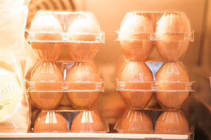 Куриные яйца не доехали до магазина в Приморье