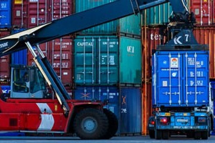Владивостокский морской контейнерный терминал оштрафовали на миллион рублей за коррупцию