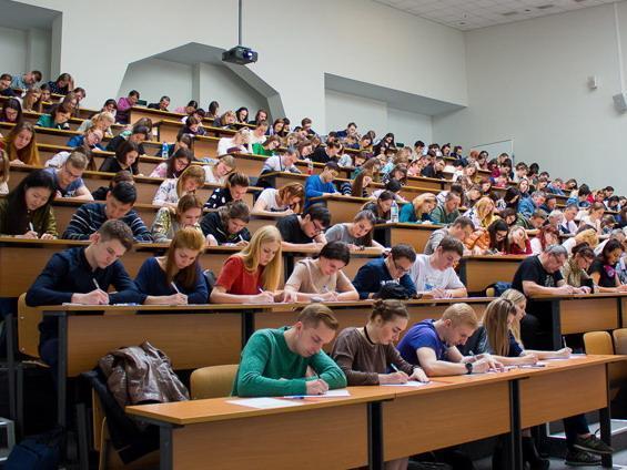 «Халява, приди!»: известные приморцы рассказали о своих студенческих годах