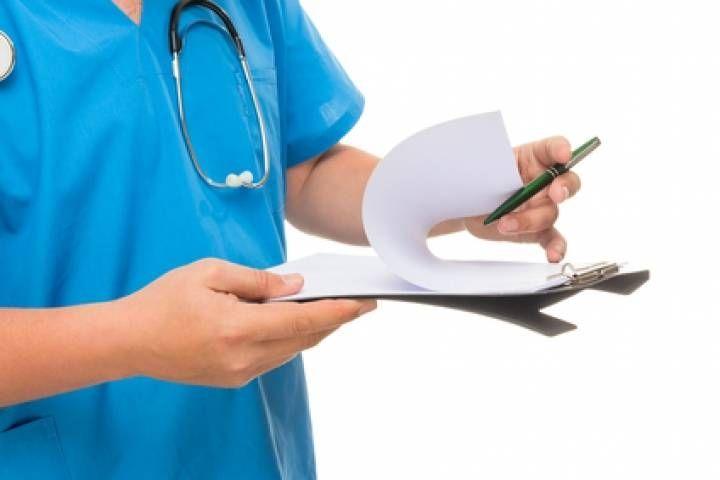 Приморцы жалуются на 10-часовое ожидание приема врача в поликлинике