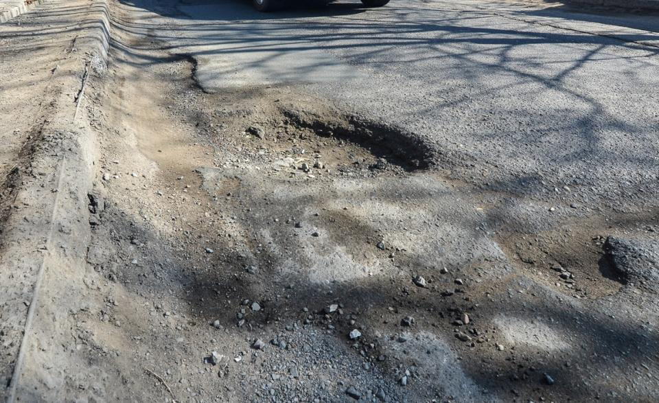 Во Владивостоке случайно отремонтировали дорогу