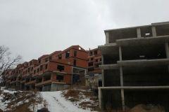 Жилищный скандал во Владивостоке: несостоявшиеся собственники таунхаусов штурмуют стройку