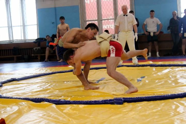 Военнослужащие ТОФ разгромили соперников на чемпионате Приморья по сумо