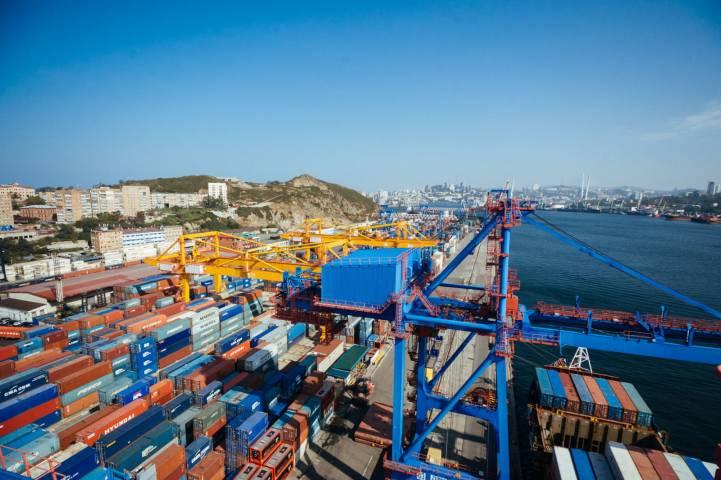 Крановщик ВМТП: «Лучший вид на море открывается в порту»