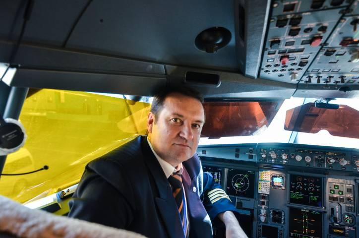 Пилот-инструктор Олег Березняков: «К самолету отношусь как к живому организму»