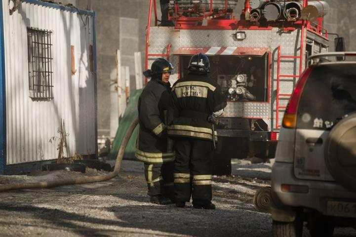 В Приморье загорелся микроавтобус