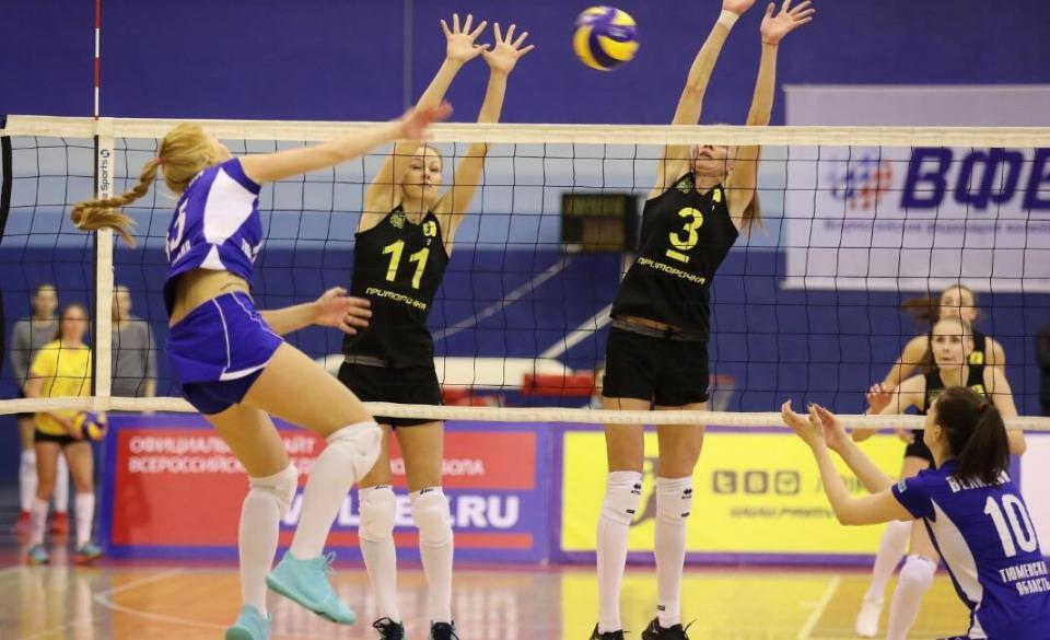 Приморская команда обыграла лидера турнира