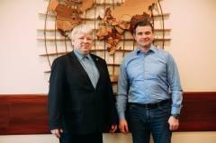 Во Владивостоке прошла встреча гендиректора ВМТП с председателем профсоюзов докеров России