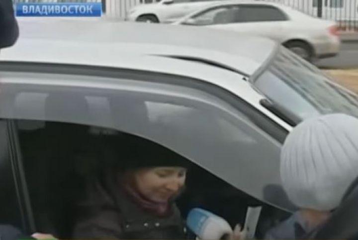 Автоледи, сбившая толпу на Русском, рассмеялась после ДТП