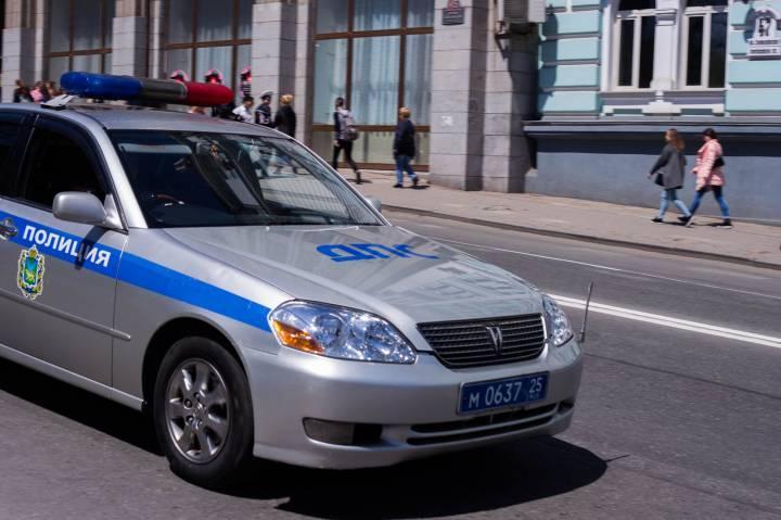 Уроженка поселка Славянка перевозила в такси синтетические наркотики