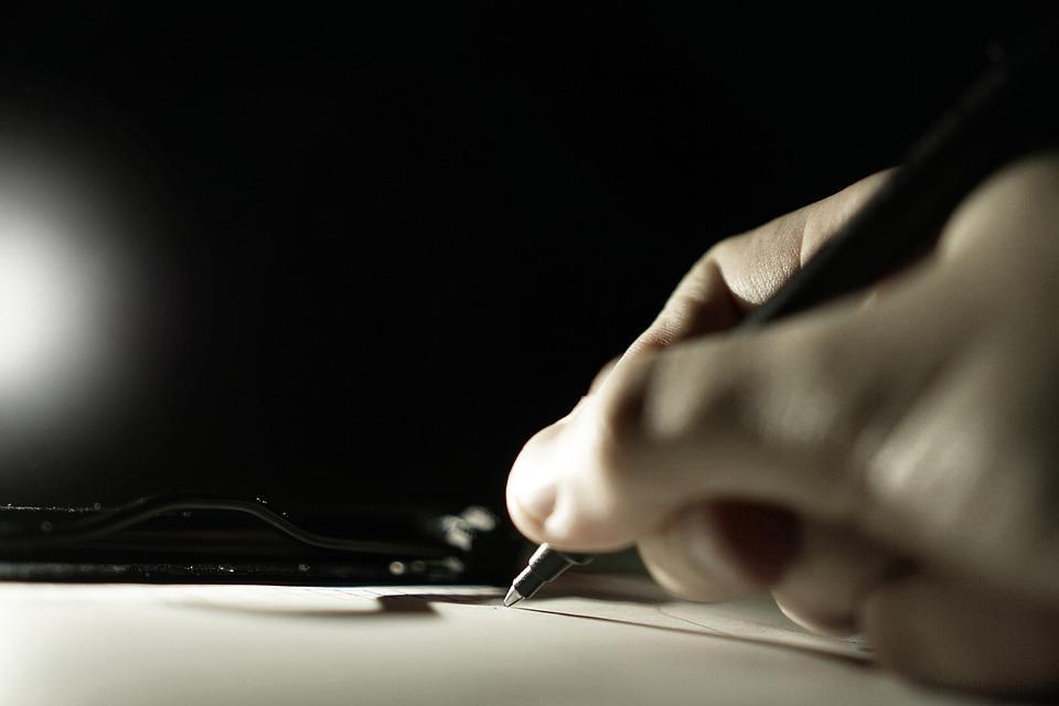 Приморец за долги подписал очень важные документы