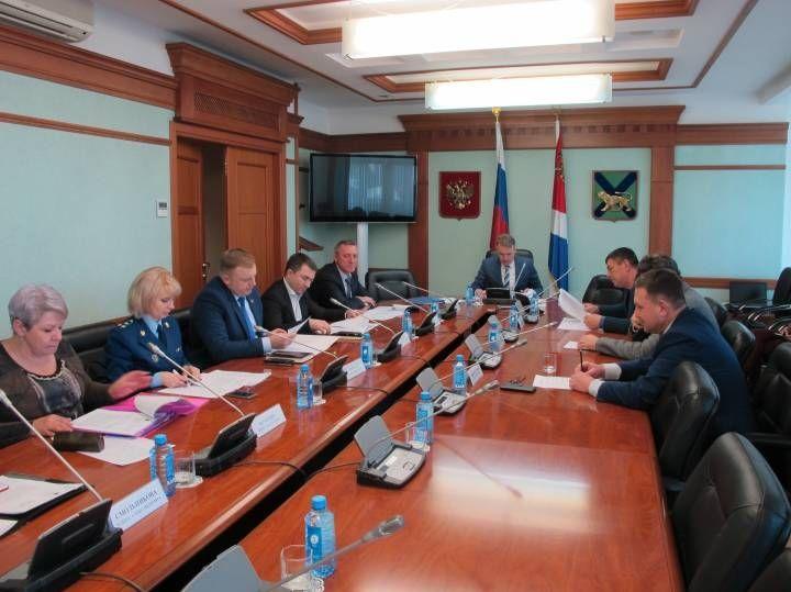 Депутатов-прогульщиков будут лишать полномочий в Приморье