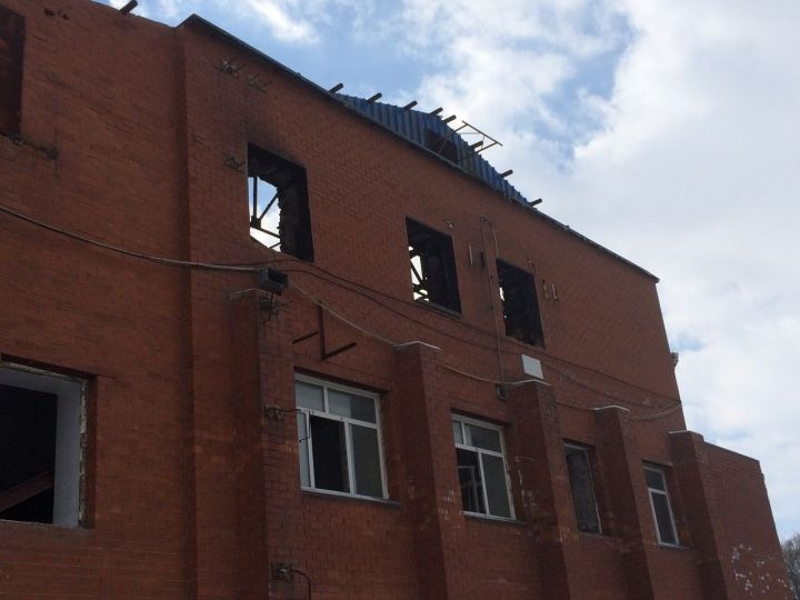 В центре Владивостока произошло возгорание нежилого здания