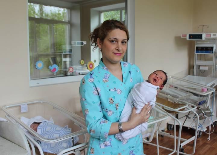 В День защитника Отечества в роддоме Владивостока родились семеро мальчишек
