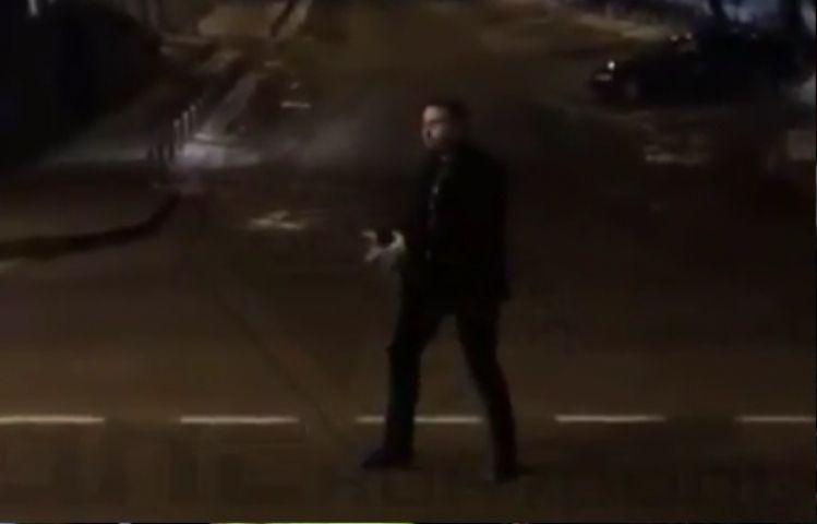 Зажигательные танцы на проезжей части удивили жителей Владивостока