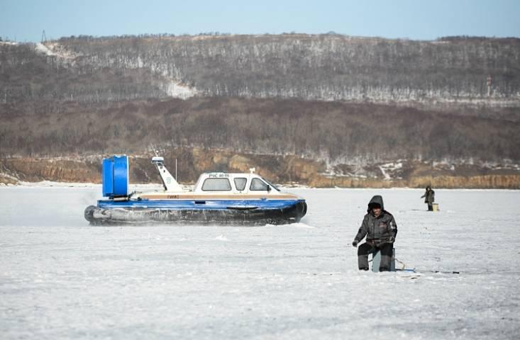 С каждым днем выход на лед становится все опаснее - Примгидромет
