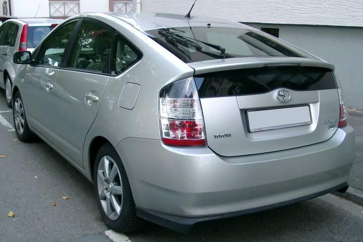 «Вэдэвэшный» Prius стал причиной расстройства во Владивостоке