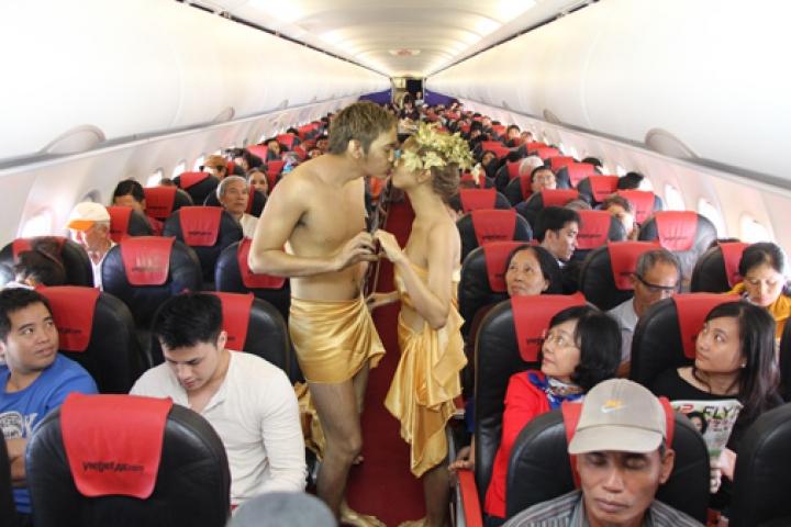 Необычные стюардессы будут обслуживать владивостокцев по пути во Вьетнам