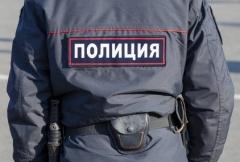 Сотрудники полиции разгоняют нелегальные автостоянки во Владивостоке