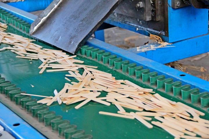 В приморской колонии открылся завод по производству палочек для мороженого