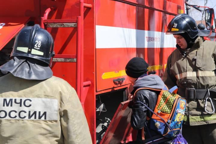 Учебная пожарная тревога успешно прошла в коррекционной школе во Владивостоке