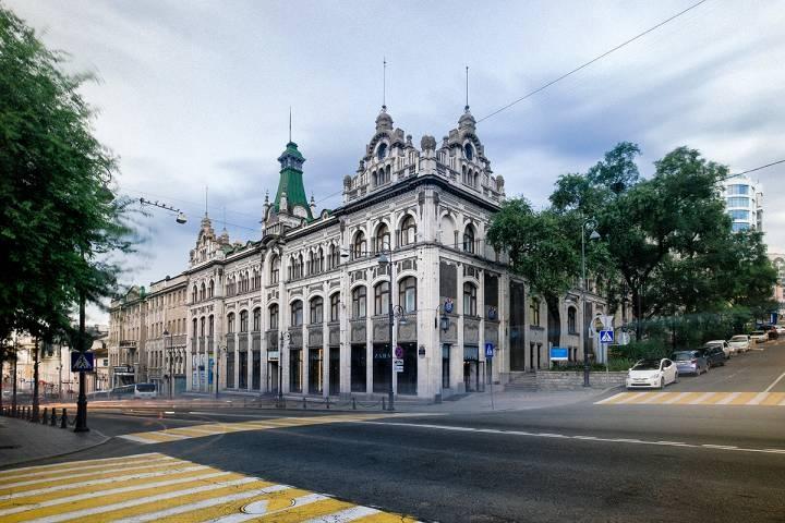 Владивостокский Большой ГУМ признан одним из самых зловещих зданий в России