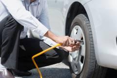 Смена сезона: приморским автомобилистам пока не советуют менять зимнюю резину на летнюю