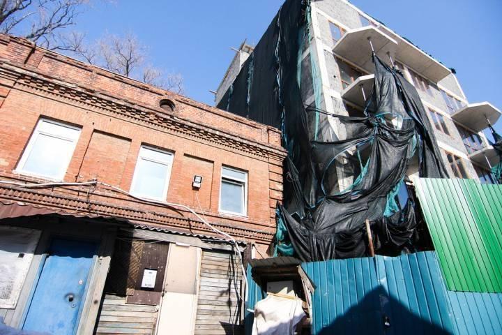 Постройку возле дома Элеоноры Прей во Владивостоке почти демонтировали