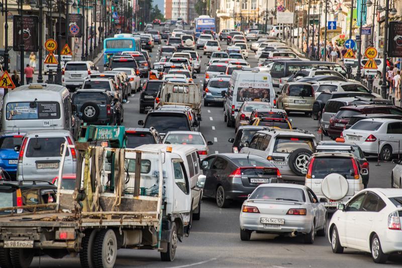 Водитель, решивший, что он самый умный, опростоволосился во Владивостоке