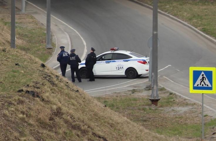 В Сети показали, что натворил водитель Prado во Владивостоке