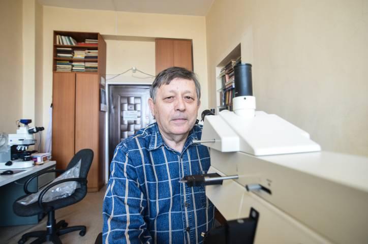 Владимир Иванов: «Уголь под микроскопом очень красивый: в красных, бордовых, оранжевых тонах»
