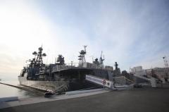 Корабль ТОФ «Адмирал Виноградов» провел в Японском море учебный бой с подлодкой