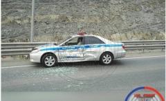 Невнимательный автомобилист протаранил автомобиль ДПС