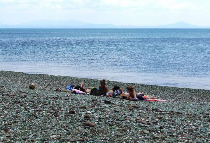 Ученые рассказали, сколько «осталось» популярному пляжу Владивостока