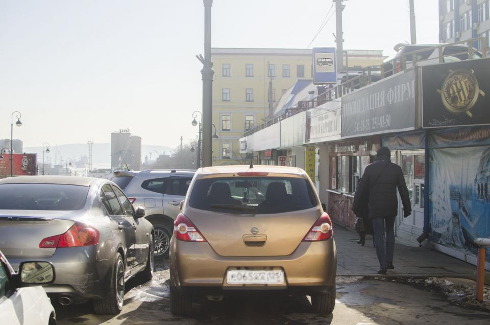 Более 14 тысяч водителей оштрафовано в Приморье за неправильную парковку