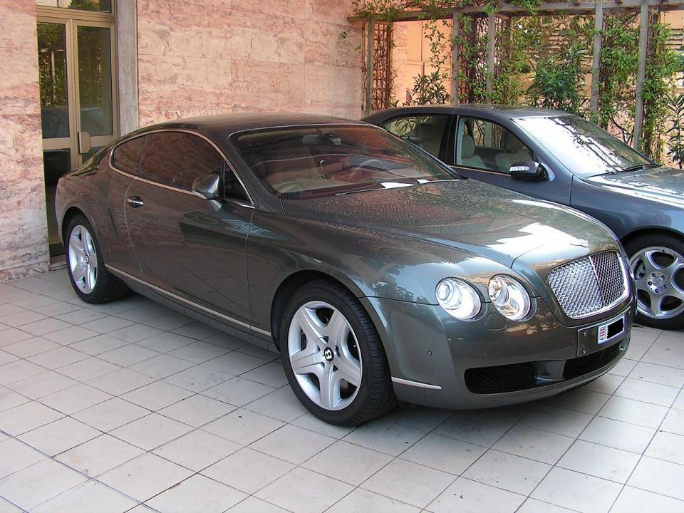 Автомобиль экс-губернатора Сахалина продали почти за шесть миллионов рублей