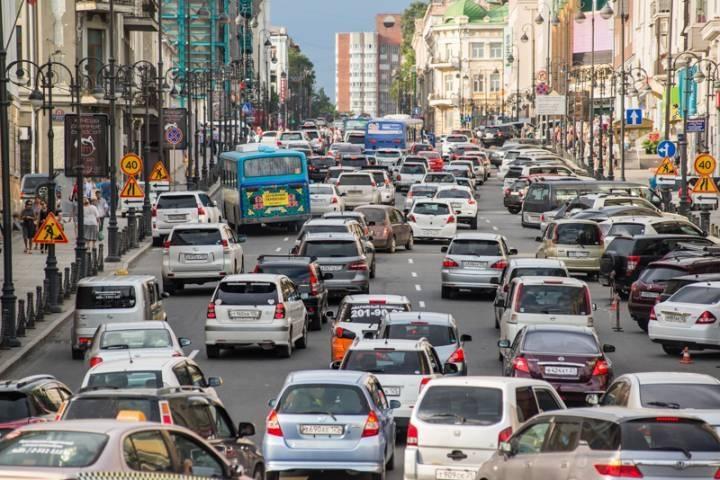 Пробка на одной из улиц Владивостока признана самой длинной в России