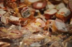 Предприниматель из Владивостока продавал мясную продукцию без маркировки